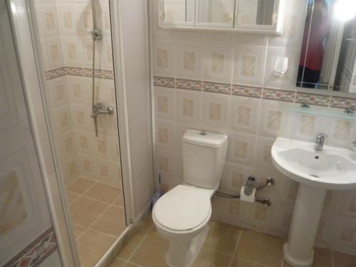 To Rent - 2 Bedroom Ground floor Apartment