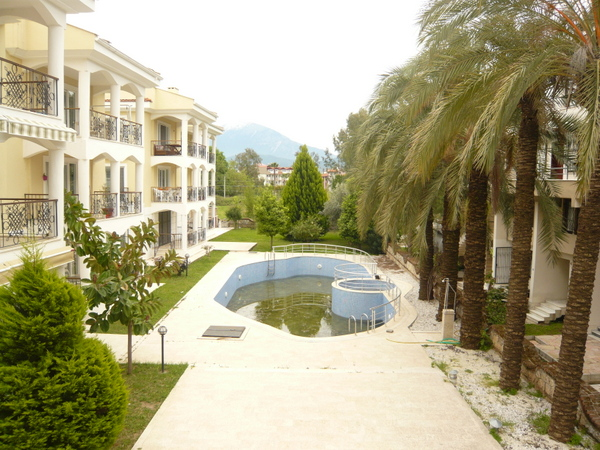 To Rent- 2 Bedroom First Floor Apartment - Calis